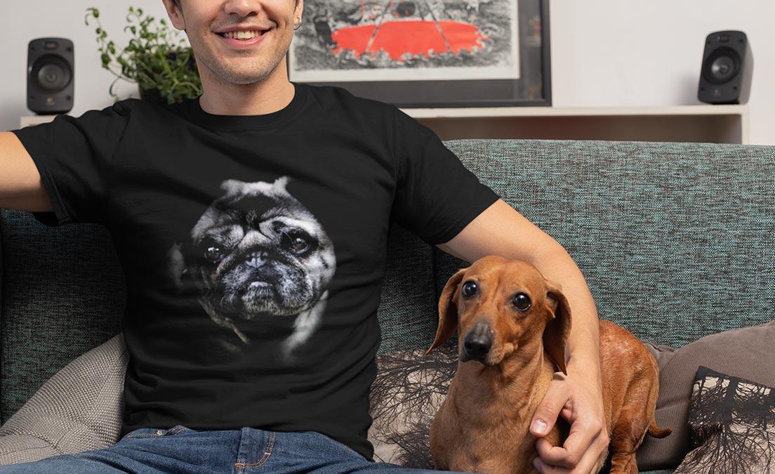 Koszulka ze śmiesznym nadrukiem z ukochanym pupilem