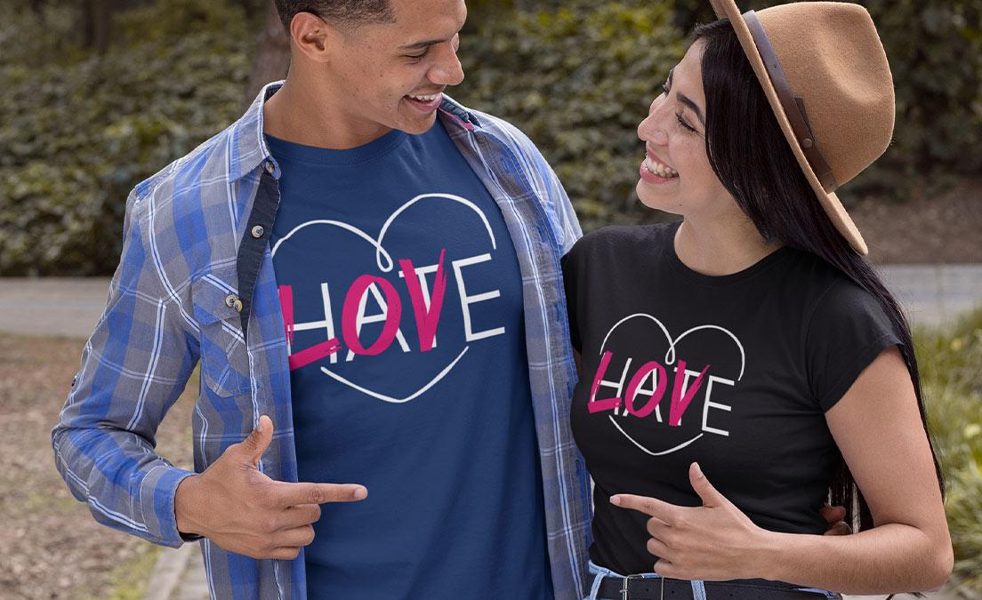 Nadruk na koszulce na dzień pocałunku